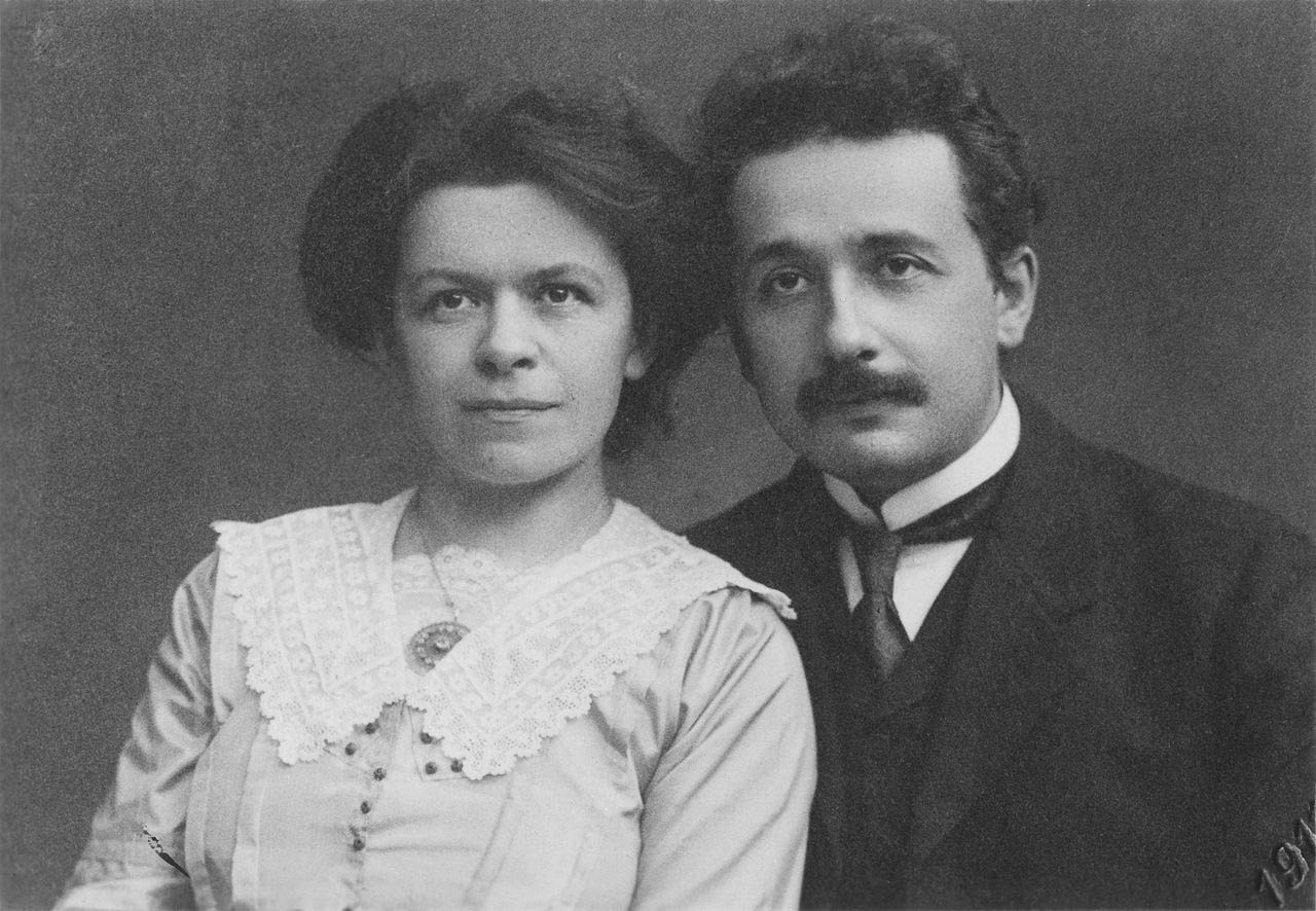 Albert_Einstein_and_his_wife_Mileva_Maric (3)